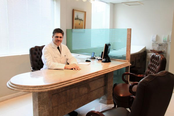 DR. MARCOS CHESI CRM 14786
